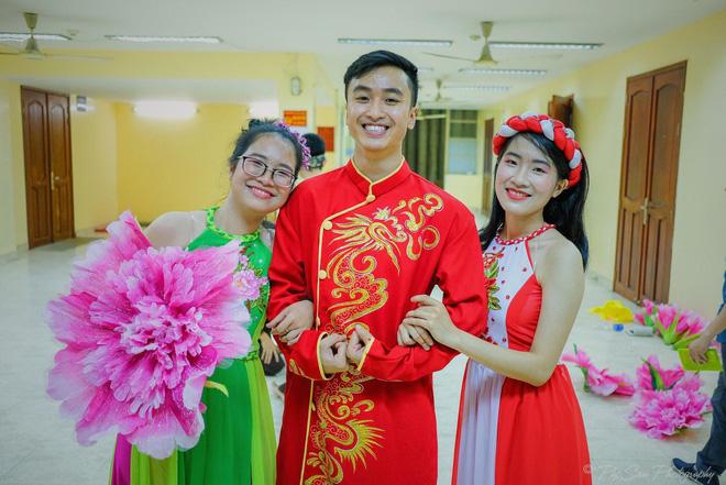 Xuất hiện chàng trai giống hệt Giang Thần, là cử nhân Y Đa khoa của ĐH Y dược TP.HCM khiến fangirl xếp hàng xin được... bệnh-11