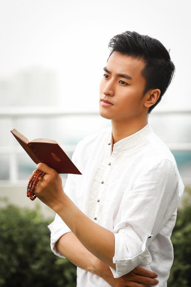 Xuất hiện chàng trai giống hệt Giang Thần, là cử nhân Y Đa khoa của ĐH Y dược TP.HCM khiến fangirl xếp hàng xin được... bệnh-17