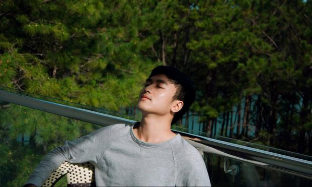 Xuất hiện chàng trai giống hệt Giang Thần, là cử nhân Y Đa khoa của ĐH Y dược TP.HCM khiến fangirl xếp hàng xin được... bệnh-24