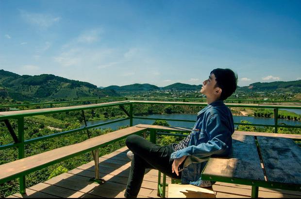 Xuất hiện chàng trai giống hệt Giang Thần, là cử nhân Y Đa khoa của ĐH Y dược TP.HCM khiến fangirl xếp hàng xin được... bệnh-26