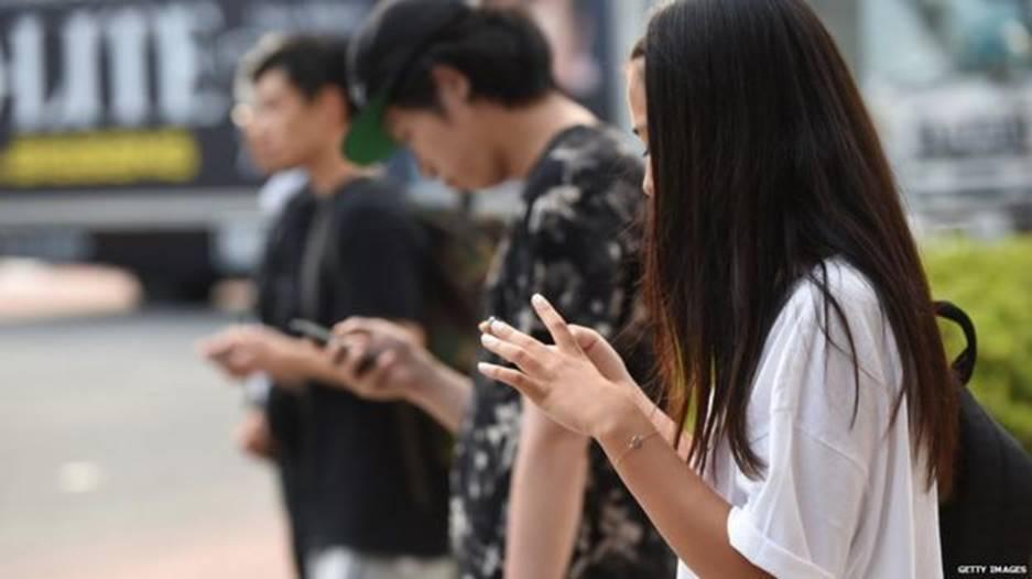 Loạt tuyệt chiêu cai nghiện điện thoại hay ho của các phụ huynh Tây, cha mẹ Việt rất nên tham khảo-1