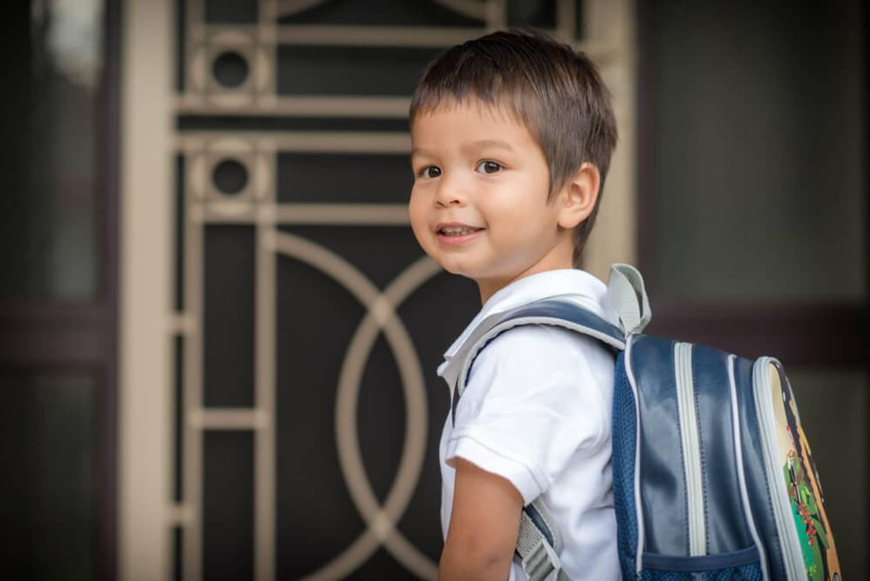 Chuyên gia tâm lý gợi ý bố mẹ 8 việc cần làm để con bắt đầu đi học lớp 1 vui vẻ, hào hứng-1