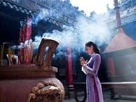 Văn khấn mùng 1 Âm lịch hàng tháng và lễ vật dâng hương chuẩn nhất để thần linh 'nghe thấu' ban cho phúc lộc