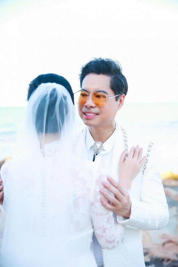 Ông hoàng nhạc sến Ngọc Sơn tung ảnh cưới, chính thức đòi quà mừng của 'đại gia đình'-2