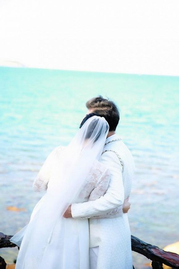 Ông hoàng nhạc sến Ngọc Sơn tung ảnh cưới, chính thức đòi quà mừng của 'đại gia đình'-4