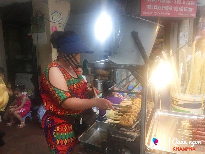 Mới bán được 1 năm, quán thịt bao mía Khâm Thiên khiến blogger Hàn Quốc mê như điếu đổ-2