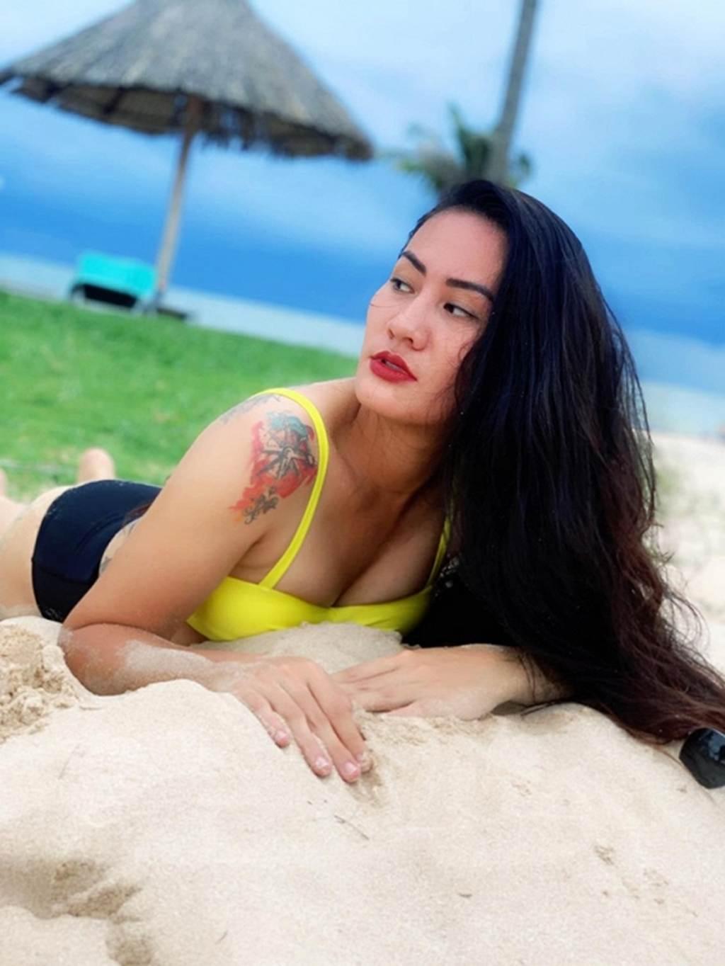 Người đẹp Về nhà đi con lộ hàng loạt hình xăm lớn khi diện bikini-2
