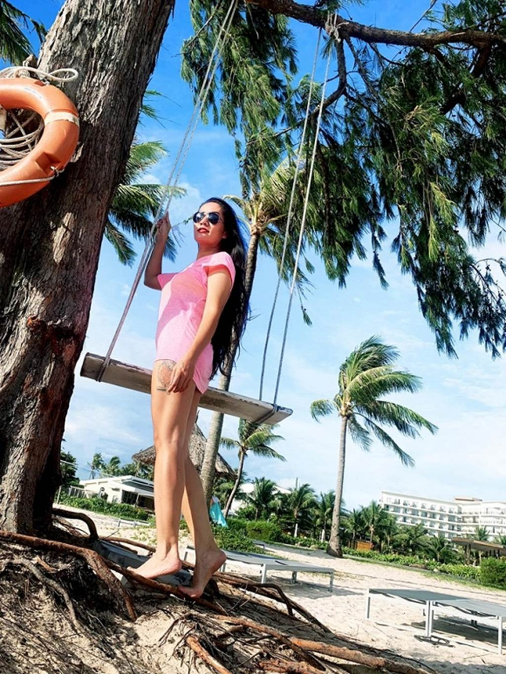 Người đẹp Về nhà đi con lộ hàng loạt hình xăm lớn khi diện bikini-11