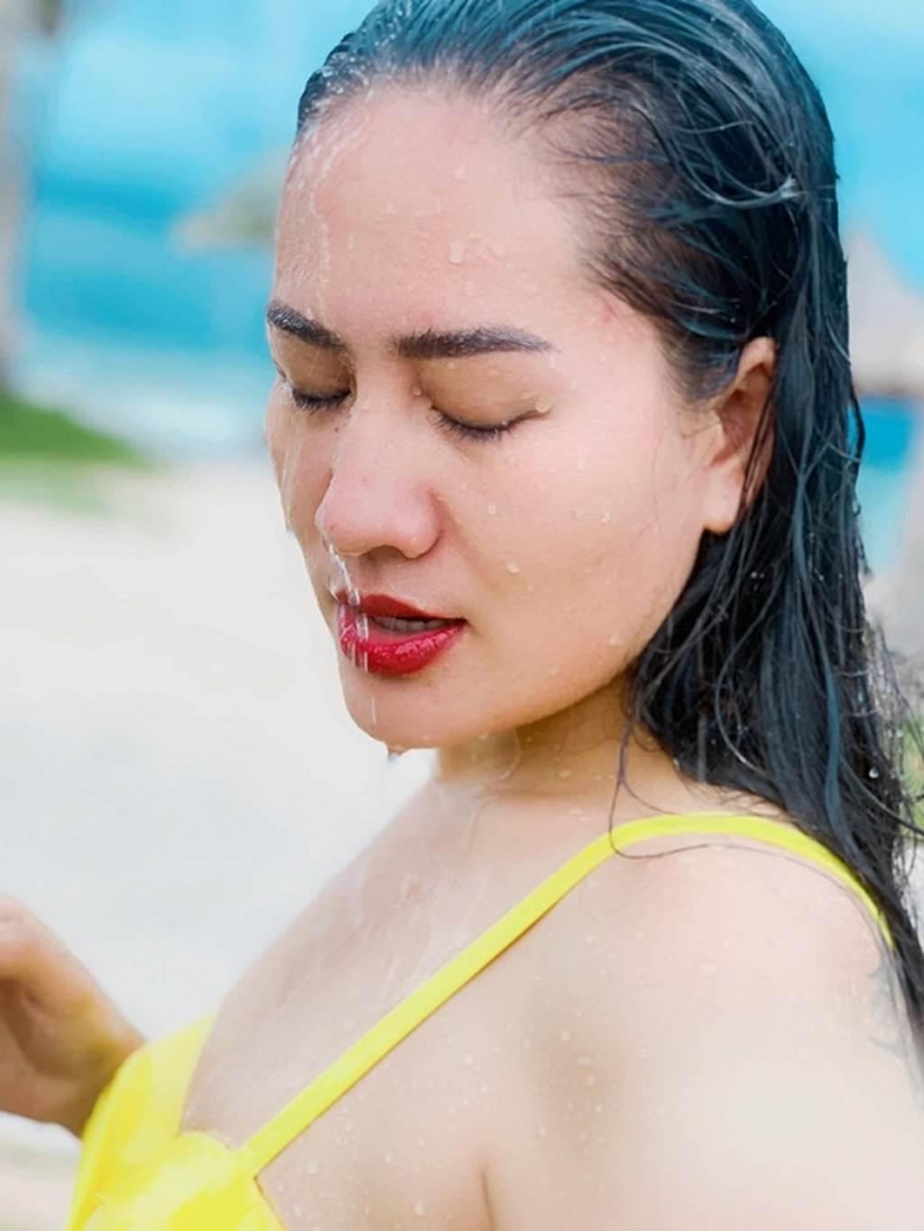 Người đẹp Về nhà đi con lộ hàng loạt hình xăm lớn khi diện bikini-9