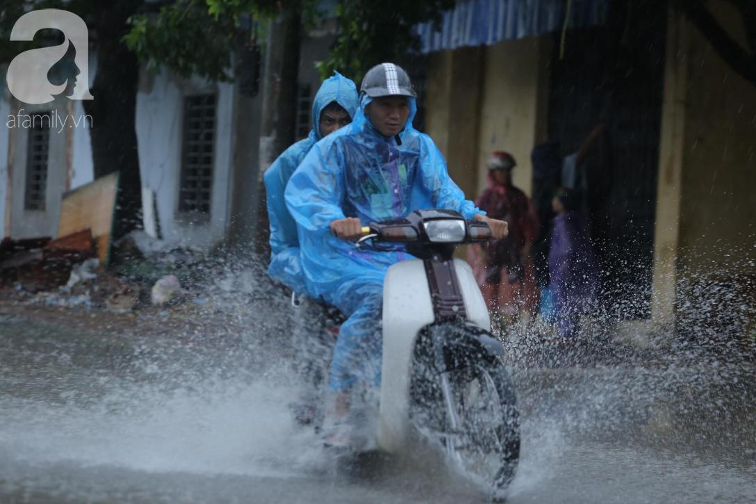 KHẨN CẤP: Bão số 3 giật cấp 12 tiến sát đất liền, Hà Nội và các tỉnh Bắc Bộ đang mưa lớn, gió lốc mạnh-2