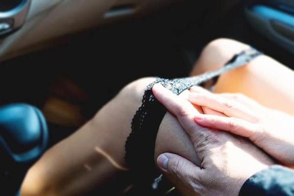 Đi ăn lẩu với đối tác bị chuốc thuốc kích dục, người phụ nữ nhận hậu quả đáng sợ-1