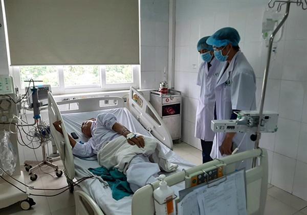 Sốc chạy thận ở Nghệ An, 153 bệnh nhân chuyển viện-1