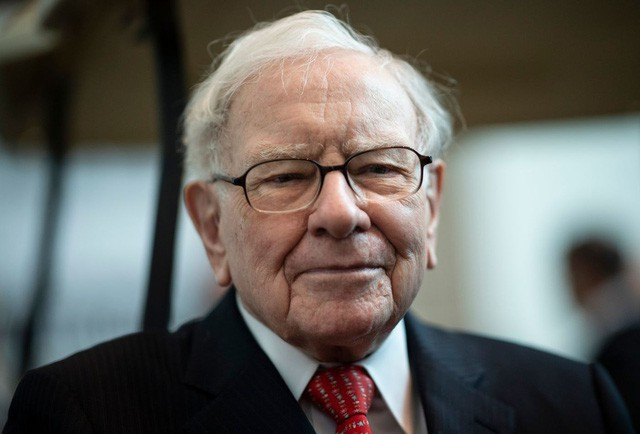 Cha mẹ Việt hở ra là đòi giữ tiền hộ con nhưng tỷ phú Warren Buffett coi đây là một trong những sai lầm tai hại nhất về tiền bạc-1