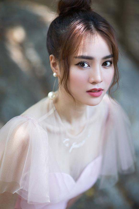 Ninh Dương Lan Ngọc xuất hiện xinh đẹp và thần thái trong bộ ảnh mới-4