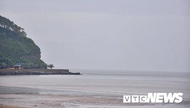 Hình ảnh mới nhất tại Quảng Ninh và Hải Phòng trước giờ bão số 3 đổ bộ-12