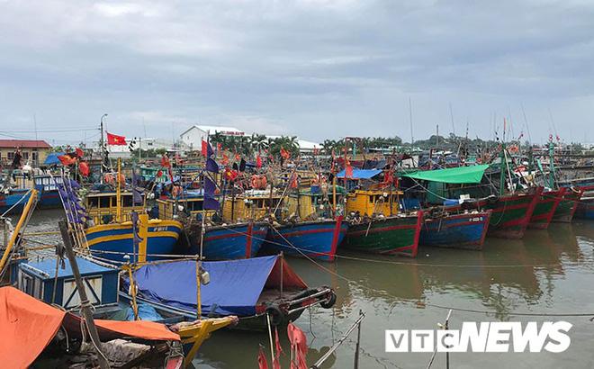 Hình ảnh mới nhất tại Quảng Ninh và Hải Phòng trước giờ bão số 3 đổ bộ-13