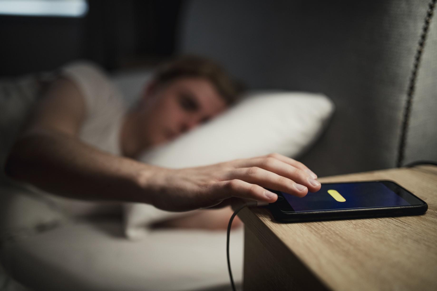 Chỉ vì thói quen này khi đi ngủ mà người phụ nữ bị bỏng cổ nghiêm trọng, ai mắc phải cần tránh ngay-3