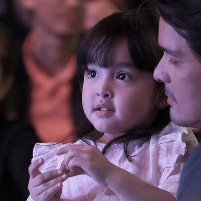 Con gái mỹ nhân đẹp nhất Philippines được khen xinh như thiên thần-1