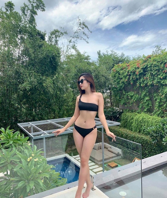 Những lần hiếm hoi Đỗ Mỹ Linh khoe body đẹp từng centimet với bikini-1