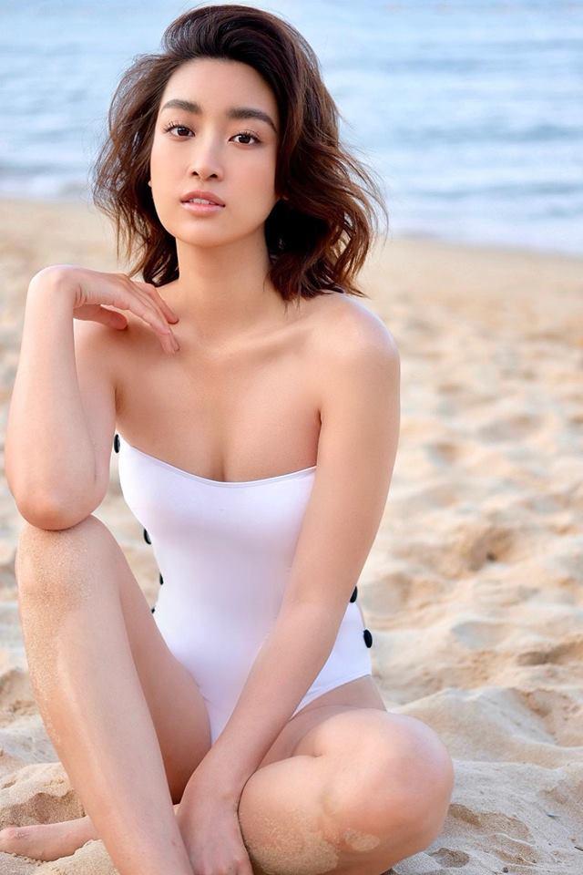 Những lần hiếm hoi Đỗ Mỹ Linh khoe body đẹp từng centimet với bikini-6
