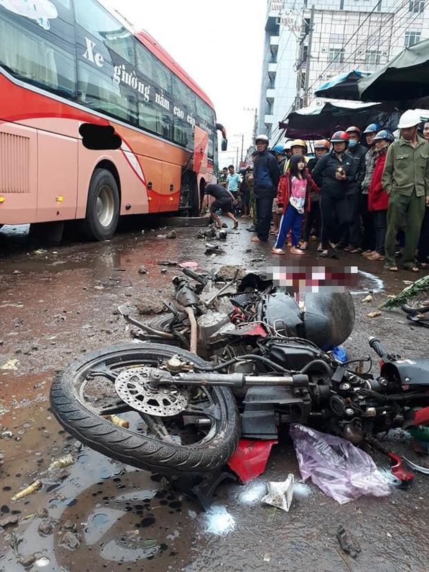 Clip: Khoảnh khắc xe khách lao vào chợ ven đường ở Gia Lai, khiến 3 người tử vong-2