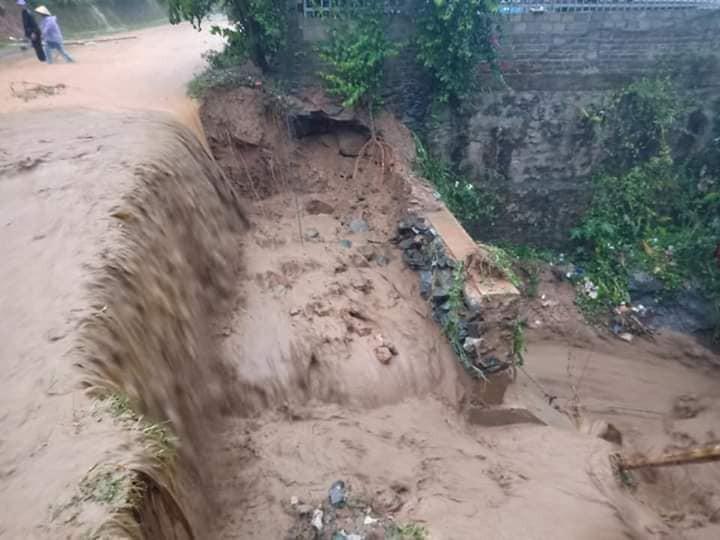 NÓNG: Lũ cuốn trôi 17 người, hiện 13 người vẫn đang mất tích ở Thanh Hoá-2