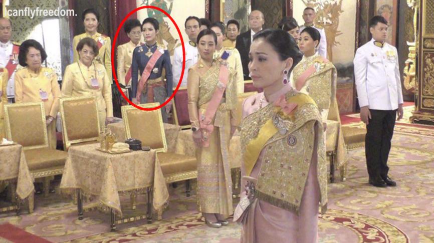 Hóa ra Hoàng quý phi Thái Lan đã âm thầm cạnh tranh với vợ cả từ lâu với những điểm giống nhau đến ngỡ ngàng-7