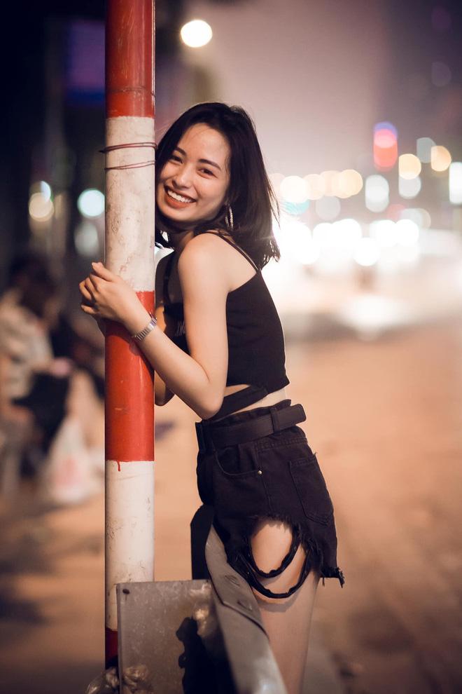 Sau bức ảnh xinh đẹp chụp trên phố Trần Duy Hưng, cô gái nhận loạt tin nhắn nhạy cảm-4