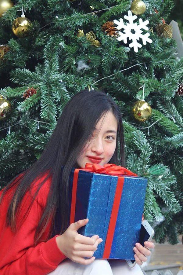 Chân dung Tân Hoa hậu Thế giới Việt Nam 2019: Xinh đẹp tự nhiên không góc chết, trình độ học vấn khủng, ngay từ đầu đã là ứng cử viên số 1 cho ngôi vị-6