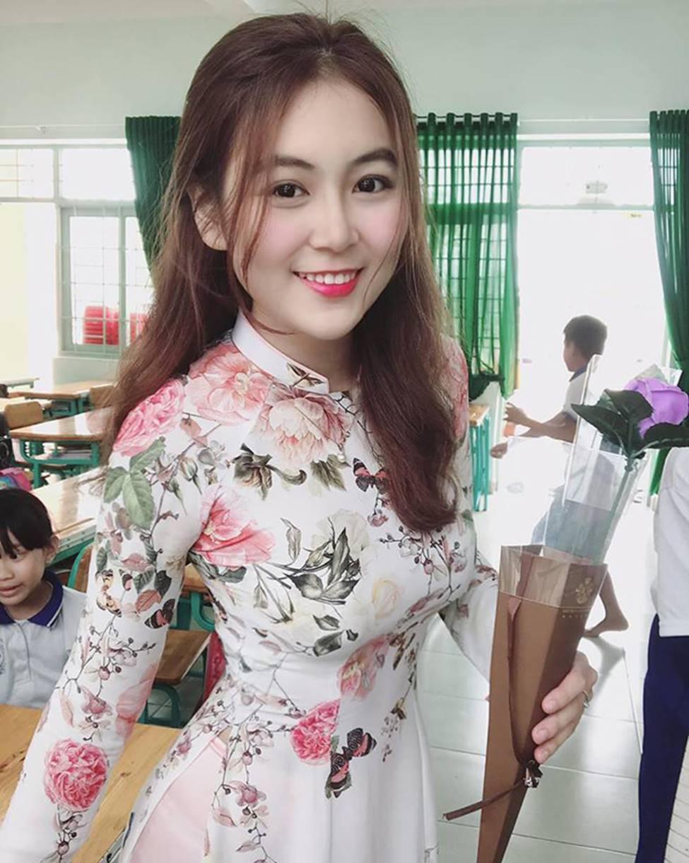 2 cô giáo tiểu học gây ngỡ ngàng vì ảnh đời thường bốc lửa-12