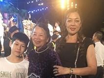 """Mẹ Tân hoa hậu Miss World Việt Nam 2019 Lương Thuỳ Linh: """"Tôi lo con gái lo thi cử nhan sắc mà bỏ bê học hành..."""""""