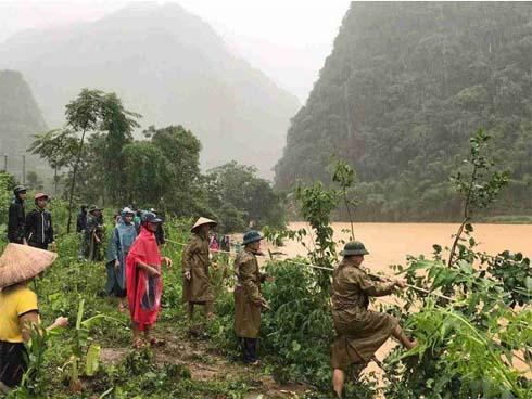 Tang thương bản nghèo có 12 người mất tích do ảnh hưởng của bão số 3-1
