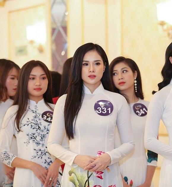 Dàn WAGs xinh đẹp từng ôm mộng làm Hoa hậu như Lương Thuỳ Linh-1