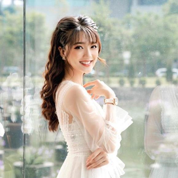 Dàn WAGs xinh đẹp từng ôm mộng làm Hoa hậu như Lương Thuỳ Linh-2