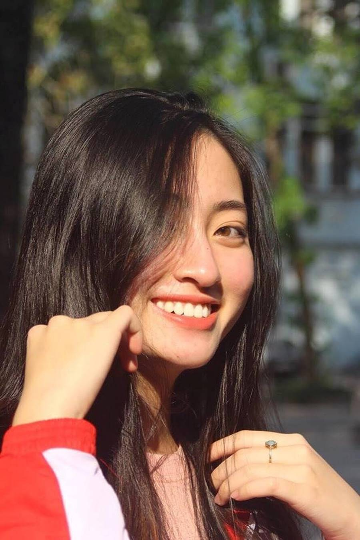 Mặt mộc xinh đẹp của Hoa hậu thế giới Vietnam Lương Thuỳ Linh-5