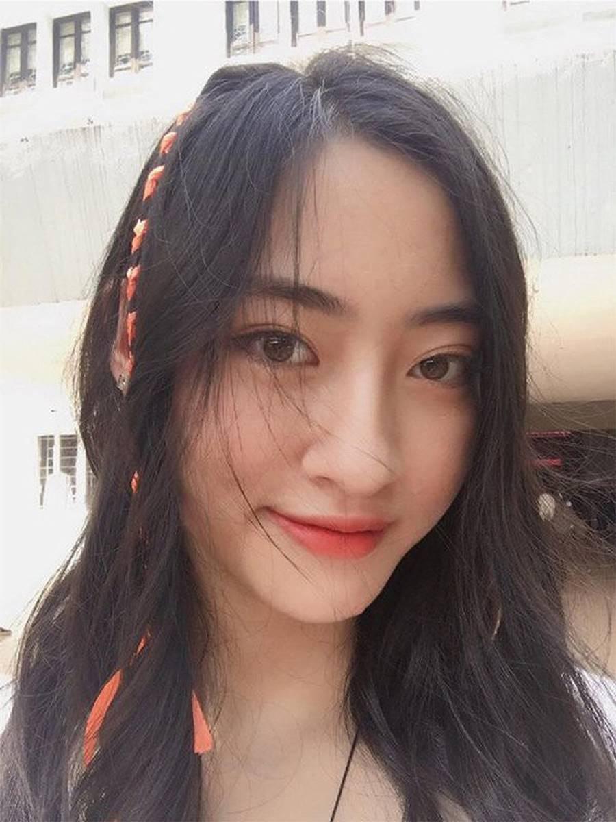 Mặt mộc xinh đẹp của Hoa hậu thế giới Vietnam Lương Thuỳ Linh-8