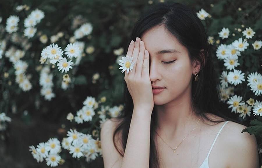 Mặt mộc xinh đẹp của Hoa hậu thế giới Vietnam Lương Thuỳ Linh-10