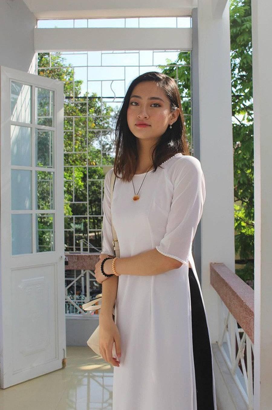 Mặt mộc xinh đẹp của Hoa hậu thế giới Vietnam Lương Thuỳ Linh-12