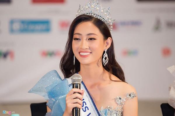 Gia thế khủng của Hoa hậu Lương Thùy Linh: Mẹ làm giám đốc kho bạc-2
