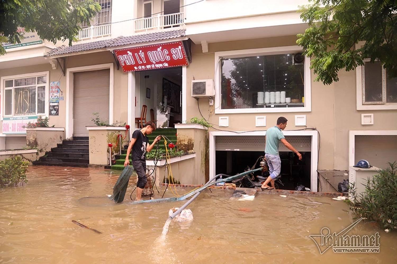 Biển nước bao vây khu biệt thự triệu đô ở Hà Nội-13
