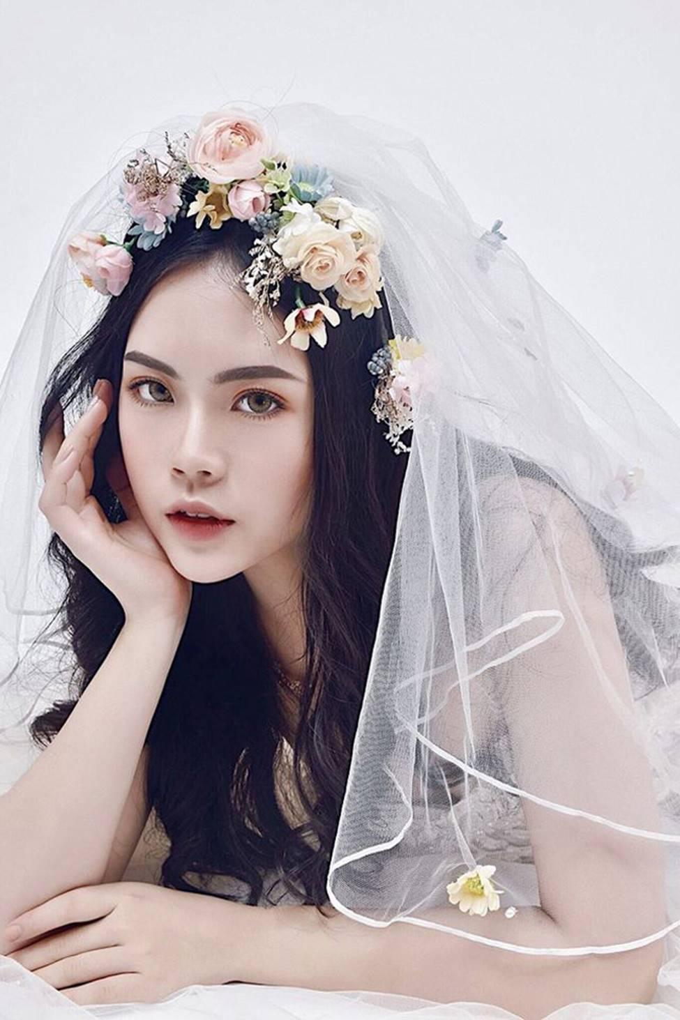 Dàn hot girl ĐH Ngoại thương xinh như hoa hậu Lương Thùy Linh-14