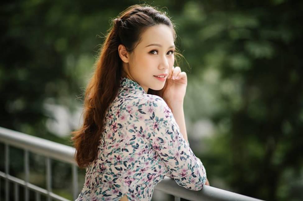 Dàn hot girl ĐH Ngoại thương xinh như hoa hậu Lương Thùy Linh-20