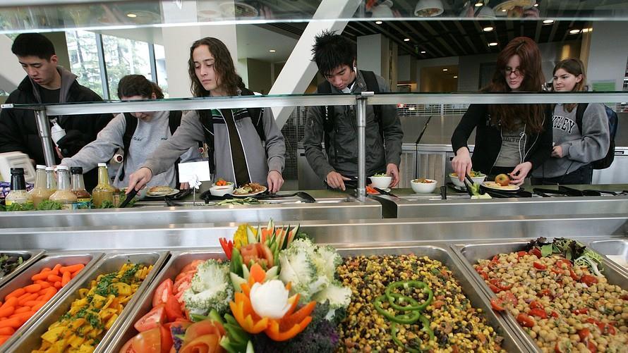 Học phí đắt đỏ, sinh viên Mỹ nhịn đói, bỏ bữa để có tiền trang trải-2