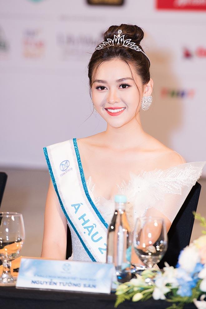 Cận cảnh vẻ xinh đẹp, gợi cảm của Á hậu 2 Hoa hậu Thế giới Việt Nam Nguyễn Tường San-1
