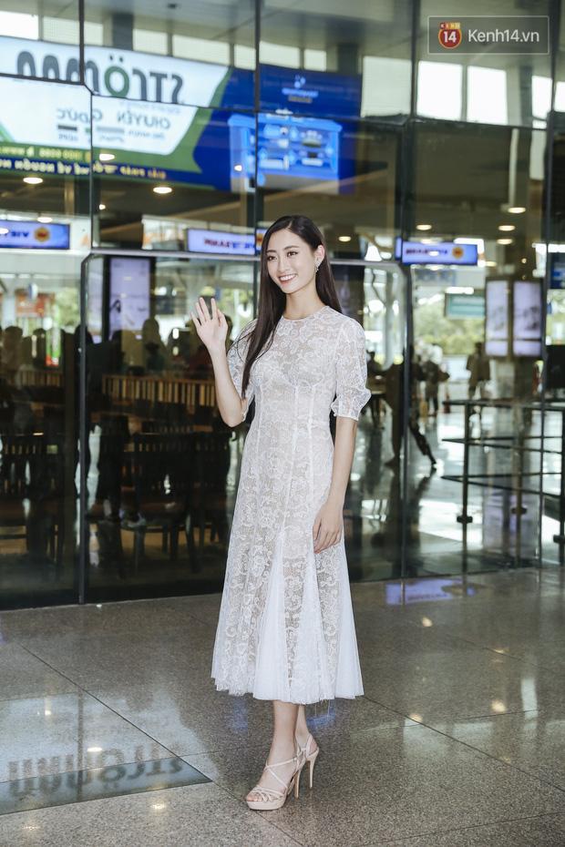 Tân Hoa hậu Lương Thùy Linh mặc giản dị, rạng rỡ cùng 2 Á hậu xuất hiện tại TP.HCM trong vòng tay người hâm mộ-2