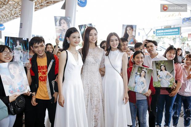 Tân Hoa hậu Lương Thùy Linh mặc giản dị, rạng rỡ cùng 2 Á hậu xuất hiện tại TP.HCM trong vòng tay người hâm mộ-19