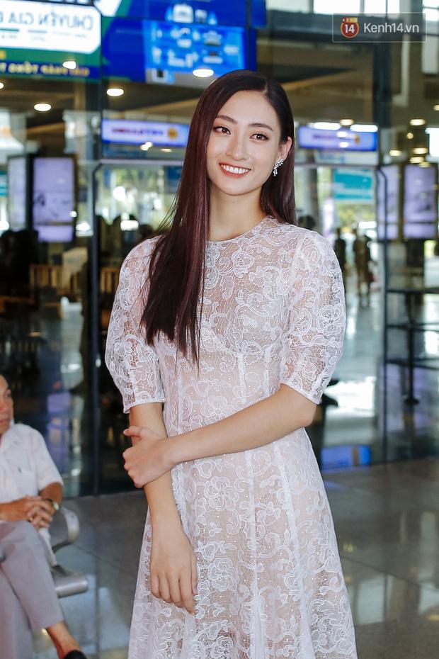 Tân Hoa hậu Lương Thùy Linh mặc giản dị, rạng rỡ cùng 2 Á hậu xuất hiện tại TP.HCM trong vòng tay người hâm mộ-1