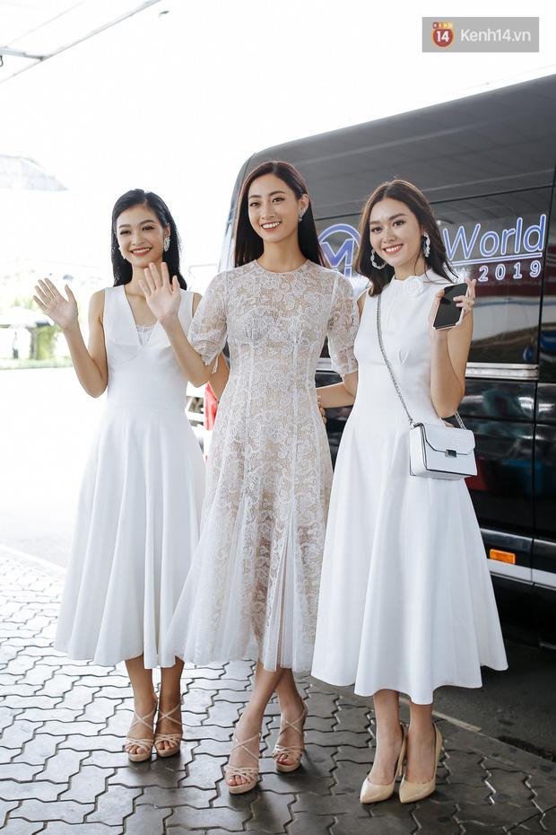 Tân Hoa hậu Lương Thùy Linh mặc giản dị, rạng rỡ cùng 2 Á hậu xuất hiện tại TP.HCM trong vòng tay người hâm mộ-7