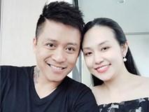 Bà xã Tuấn Hưng vừa sinh con trai thứ ba, bạn bè của nam ca sĩ tiết lộ khoảnh khắc cả gia đình đón thành viên mới