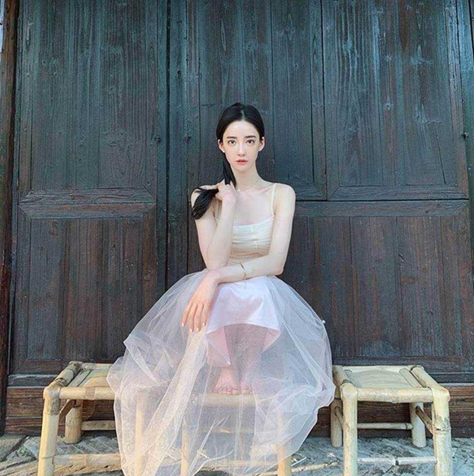 Nữ giáo viên, MC hot nhất Hàn Quốc đẹp như tiên sa nhờ môn khó hiểu-20